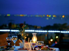 فندق للبيع في اسطنبول بإطلالة على البوسفور