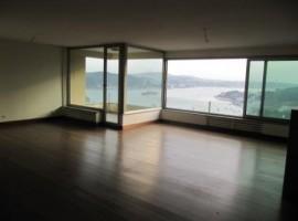 شقة جميلة مطلة على بحر البسفوراطلالة كاملة
