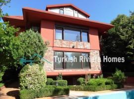 فيلا فاخرة 6 غرف نوم في أميرغان  في اسطنبول