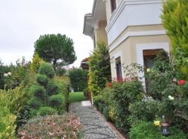 Bahcesehir property in Istanbul with good garden