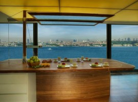 Exclusive Uskudar home with incredible view of Bosporus